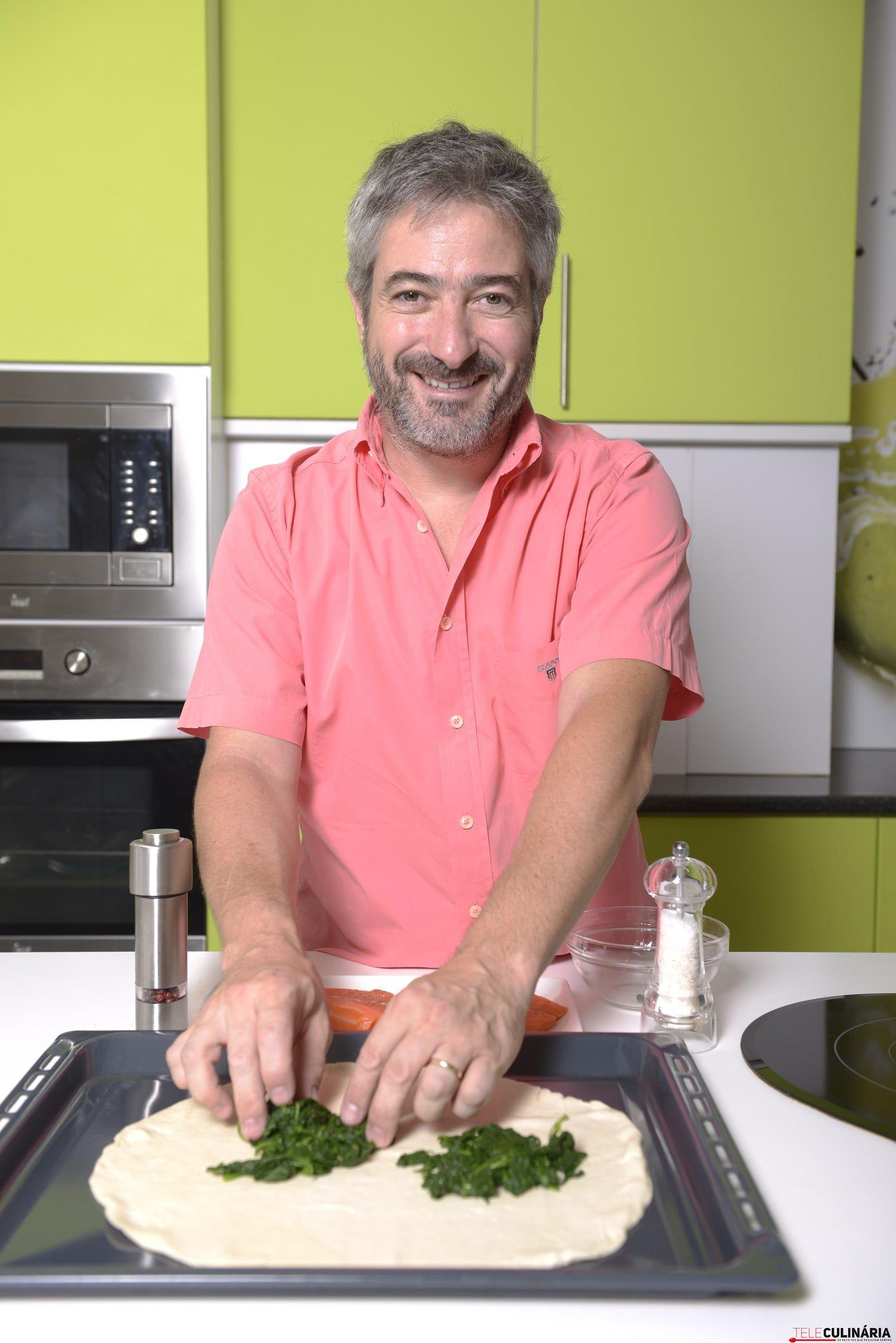 António Machado a preparar a sua receita