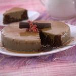 Chiffon de chocolate e molho de leite condensado