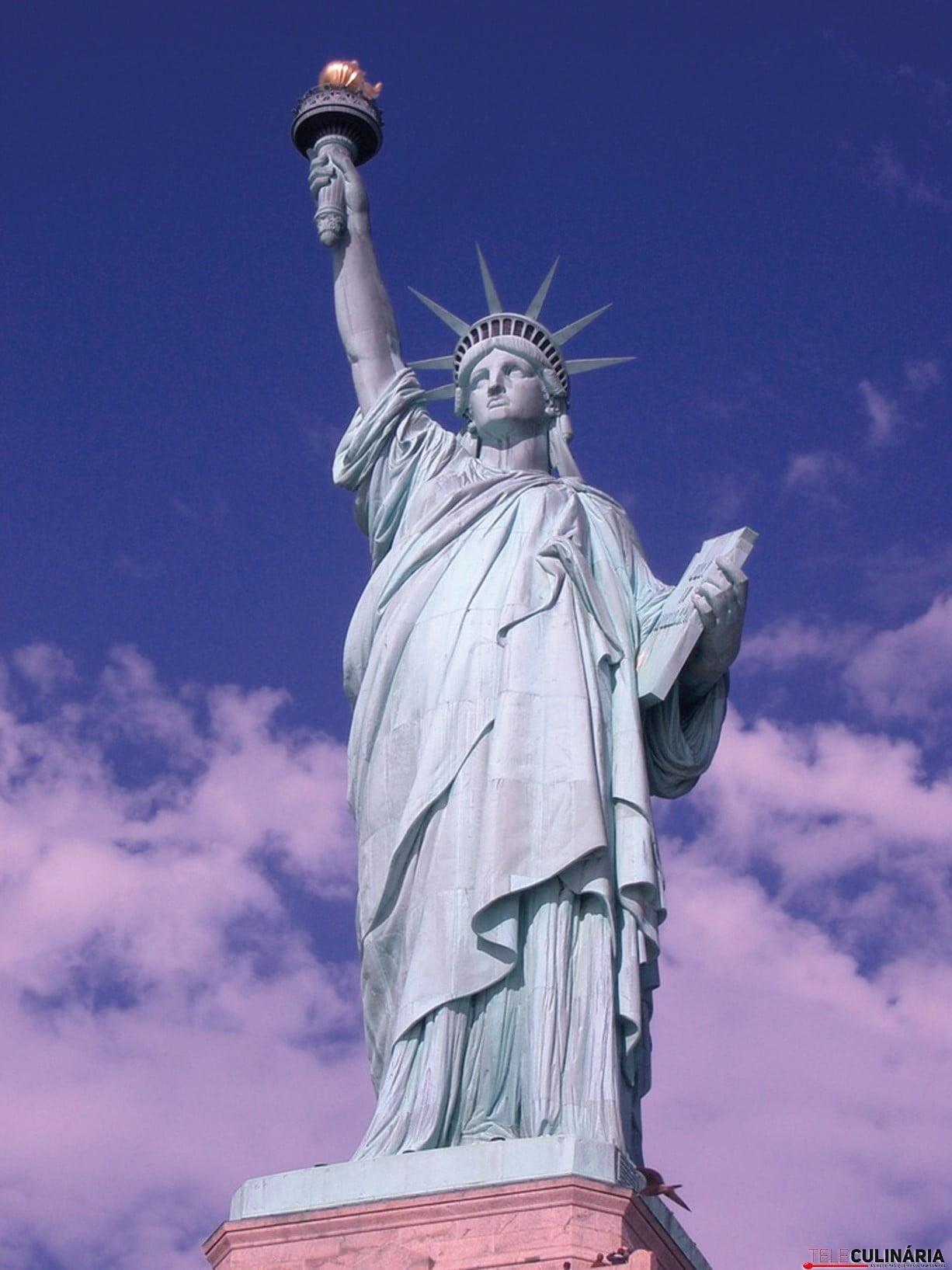 EUA-estátua da liberdade-volta mundo-teleculinaria (Custom)