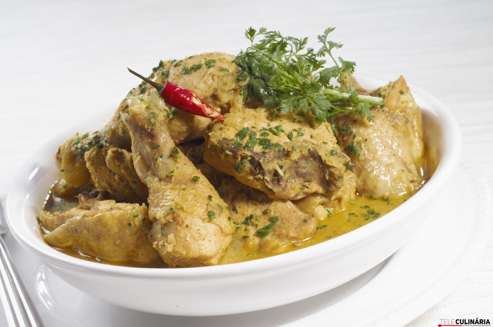 Galinha com molho curry (1) (Custom)