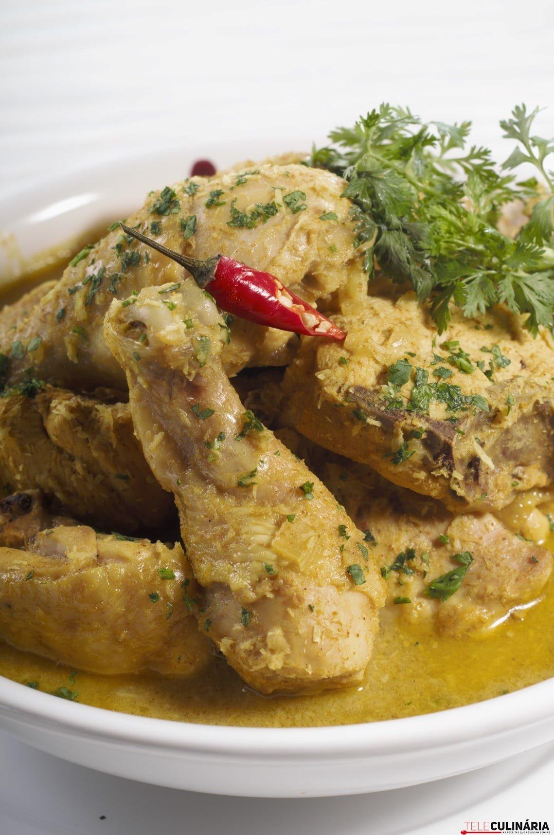Galinha com molho curry (3) (Custom)