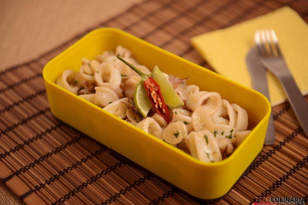 Lulinhas fritas com alho e limão