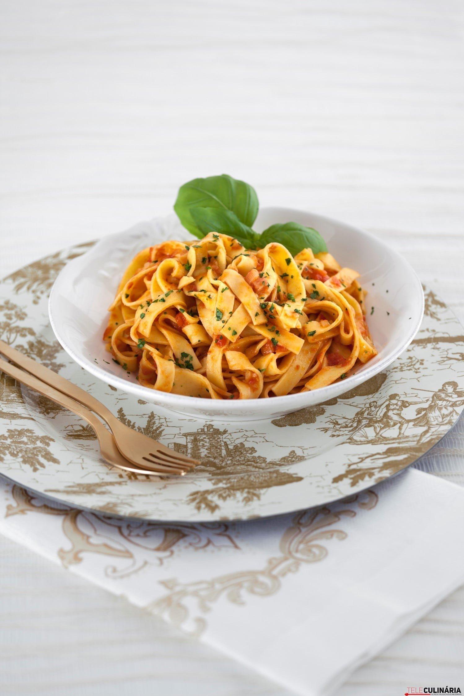 Pasta com Tomate a Italiana TC_002 (Custom)