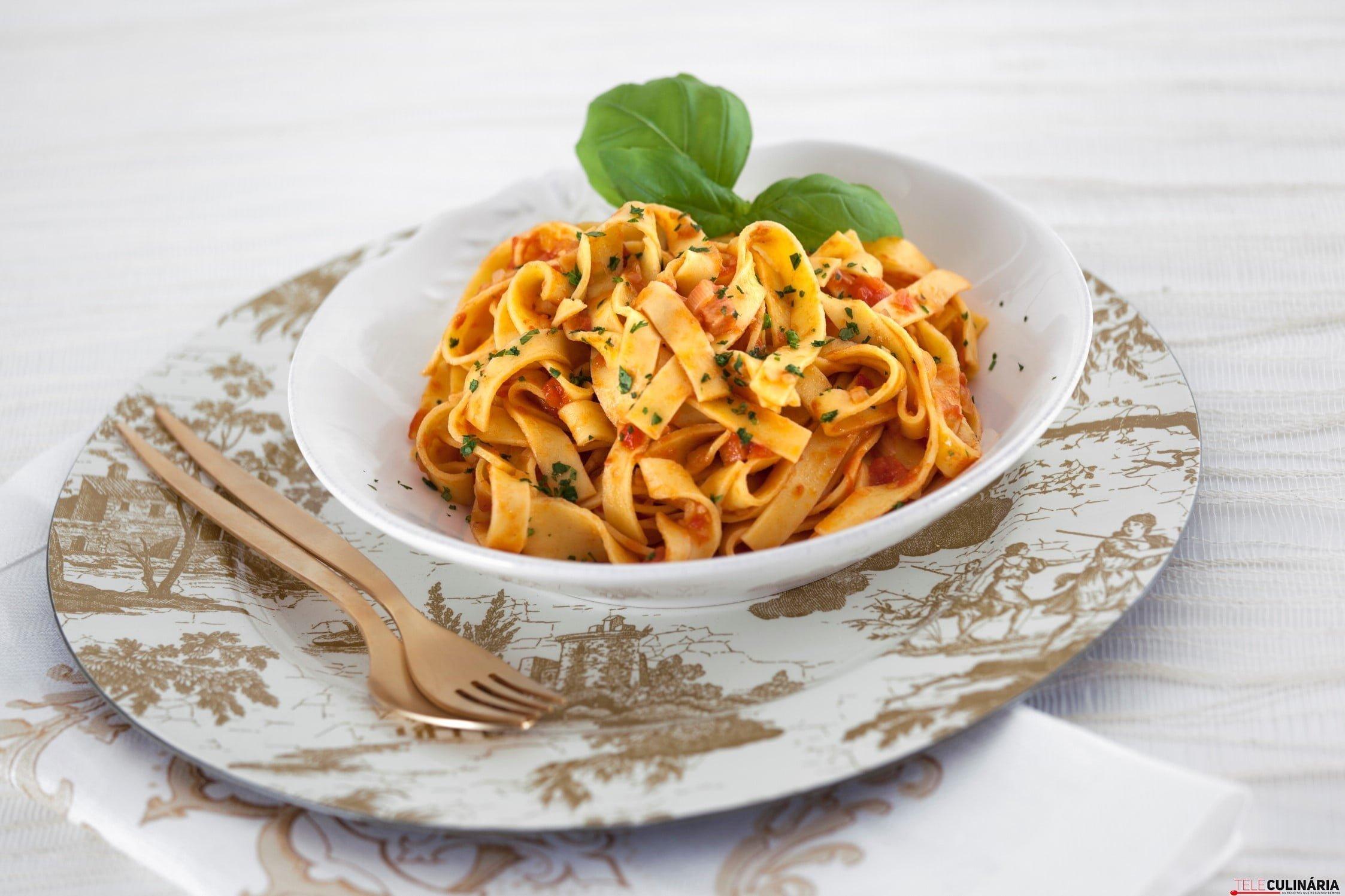 Pasta com Tomate a Italiana TC_005 (Custom)