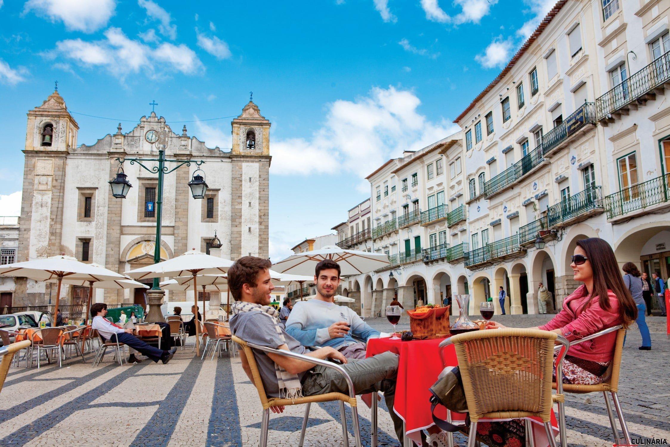Praça-giraldo-évora (Custom)