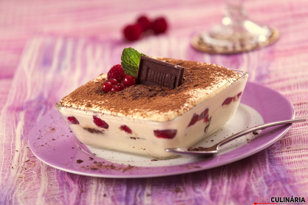 Tiramisu de Frutos Vermelhos e Chocolate TC 005 Custom