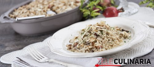 Arroz de frango do campo com frutos secos