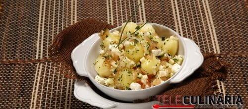 Batatas com picadinho de vegetais e queijo feta 13 D