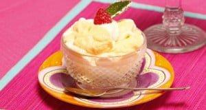 Bicolor de iogurte e leite condensado