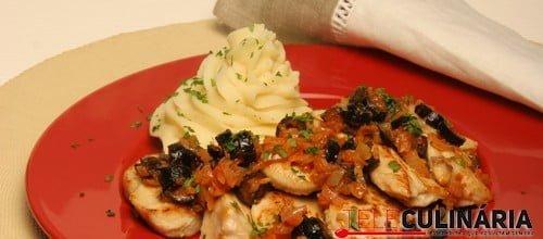 Bifes de frango com azeitonas