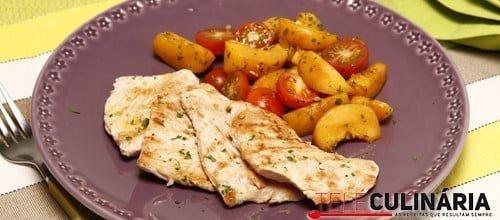 Bifes de peru grelhados com salada de pessegos 3 Detalhe