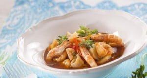 Caldeirada de lulas e camarão com poejos