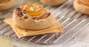 Caracóis de queijo e fiambre