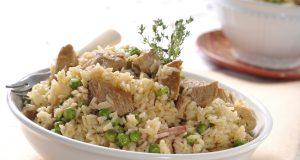 Carne de porco com arroz de ervilhas