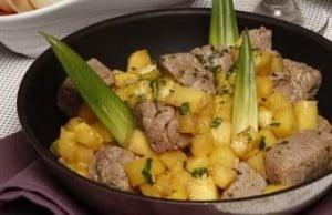 Carne de vaca com ananás
