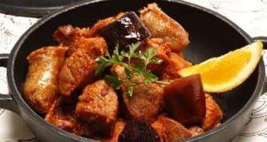 Carne de porco com enchidos
