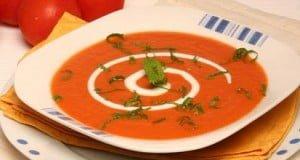 Creme de tomate com hortelã
