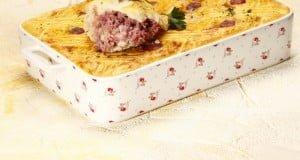 Empadão de salsichas frescas
