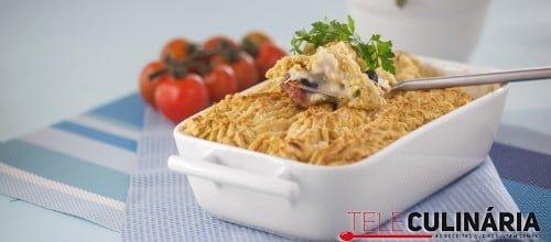 Empadão de bacalhau com puré de grão