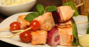 Espetadas de salmão