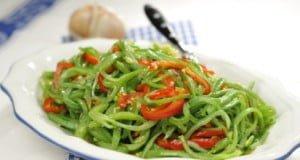Feijão-verde salteado com pimentos morrones
