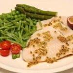 Filetes de peixe-galo com maracujá