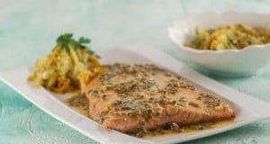 Filetes de salmão com molho de maracujá