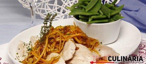 Frango grelhado com Ervas e Frutos secos 1 Detalhe