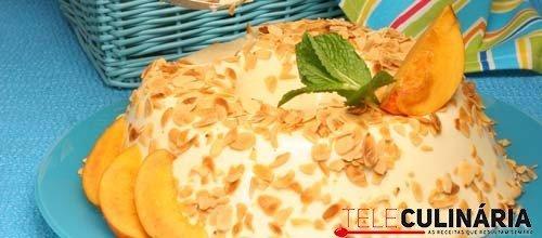 Gelatina de pêssego com natas