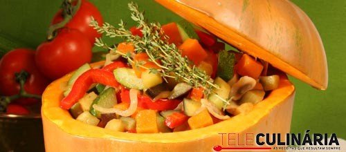 Legumes estufados na abóbora