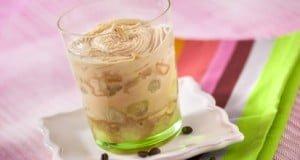 Melão caramelizado com bolacha Maria e creme de café