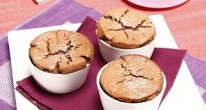 Mini soufflés de chocolate com aveia
