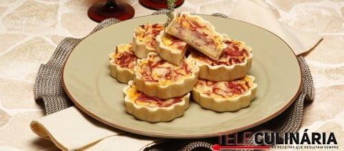 Mini tartes de mortadela com ovo