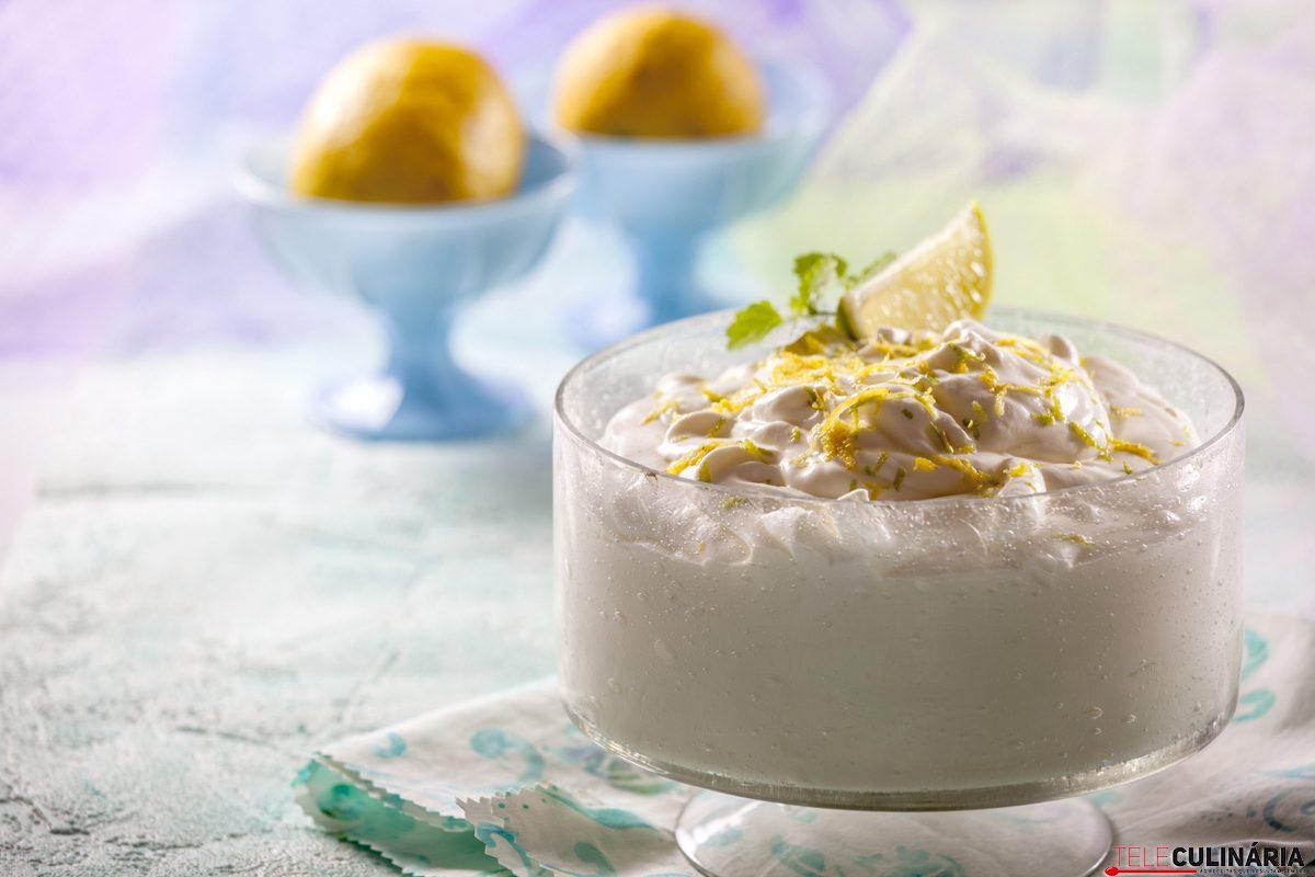 Mousse de Iogurte com Limão