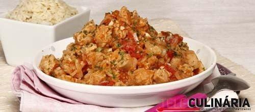 Nacos de soja estufados e arroz de jasmim