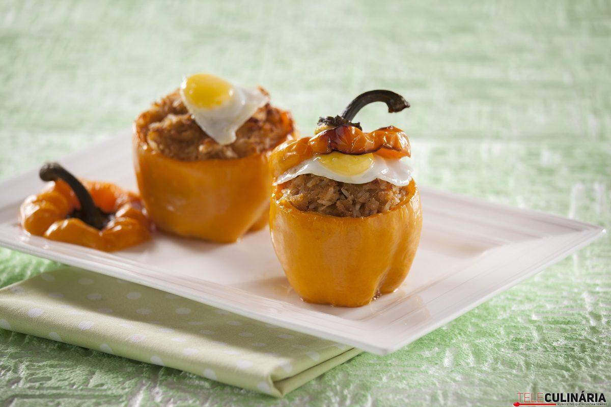 Pimentos Recheados com Alheira e Arroz e Ovos