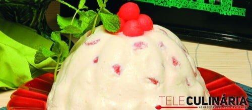 Pudim branco de melancia