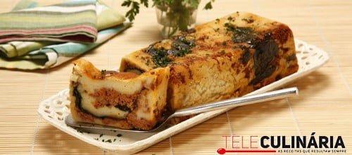 Rolo de batata com espinafres