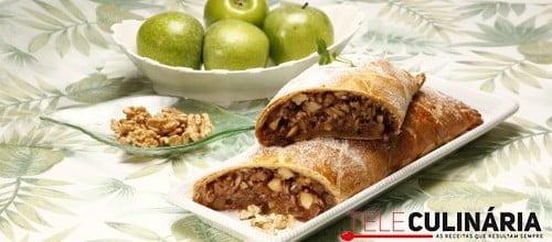 Rolo folhado de maçã e frutos secos