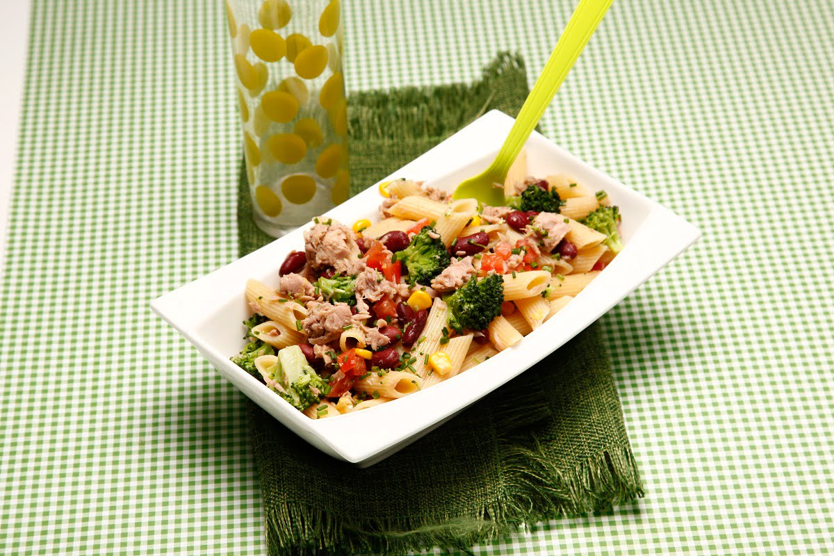 Salada de massa atum e legumes 2