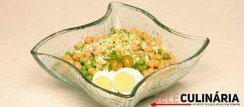 Salada caseira de grão
