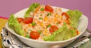 Salada colorida de arroz