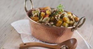 Salada quente de legumes com nozes