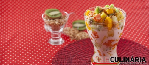 Salada Tropical com Leite de Coco e Amendoas TC 005 D