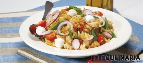Salada crocante de massa 1 D