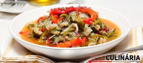 Salada de pimentos com bacalhau temperado