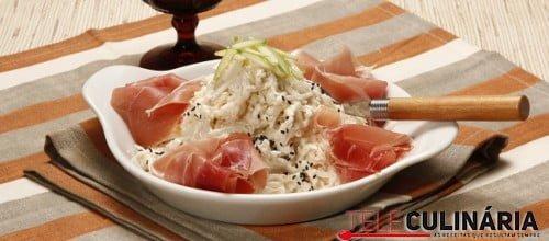 Salada de aipo com presunto