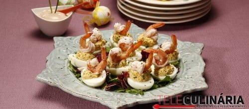 Salada de ovos com camarao e molho cocktail 6 D