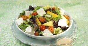 Salada fresca com fruta