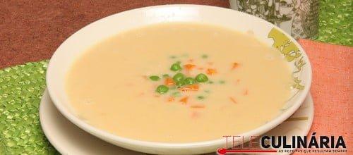 Sopa de grão com ervilhas